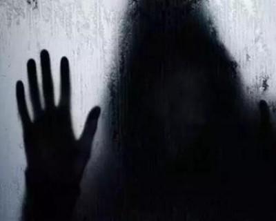 超级恐怖的鬼故事短篇,吓到身体发冷
