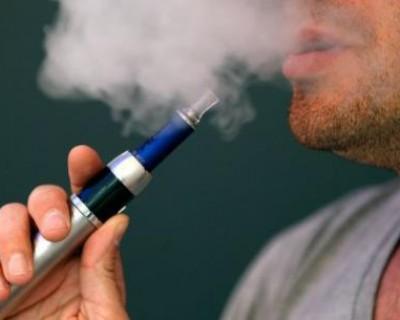 18岁小伙70岁的肺 电子烟危害大吸不得