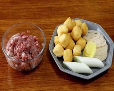 二十道简单易做家常菜中的豆腐泡炒肉末要怎么做