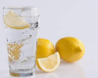 柠檬水的功效与作用,饮用柠檬水的最佳时间
