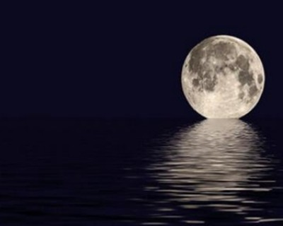 关于描写月亮的诗句 高中赞美月亮唯美古诗惊艳了