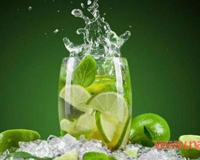 苏打水有什么作用和功效,常喝苏打水的好处与坏处